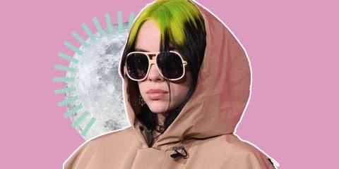 È appena uscita la nuova collezione moda 2020 di tendenza di Billie Eilish firmata con H&M, oversize e con un anima sostenibile, dalla felpa bianca al cappello.